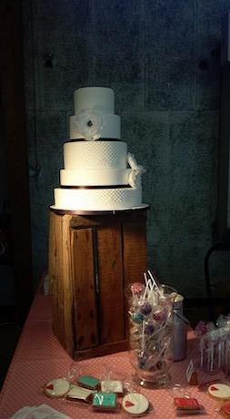 CHARLY'S CAKE