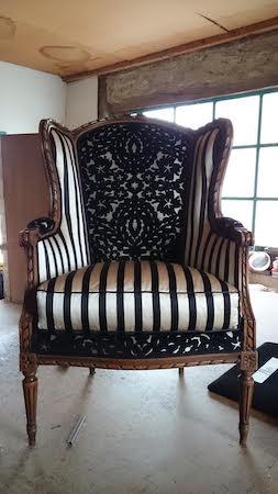 mariage et savoir faire - tapissier décorateur - fauteuils des mariés