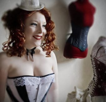 VOLUTE CORSETS, site mariage, prestataire mariage, annuaire mariage,