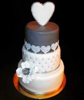 MONDELICE CAKES