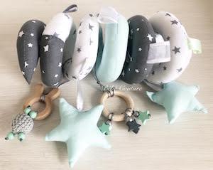 mariage et savoir faire - univers bébé - décoration chambre bébé - sucette bébé- accessoires bébé - bavoir bébé
